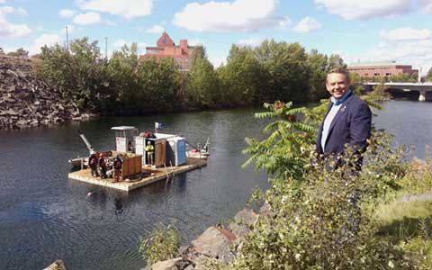 Mayor Condon at the River Cleanup 2015